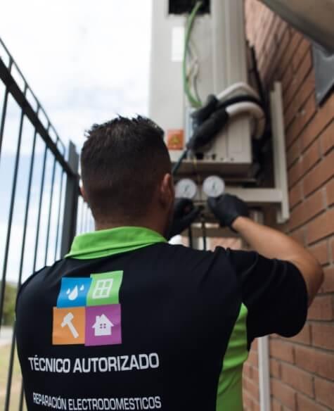 reparación aire acondicionado pierde agua